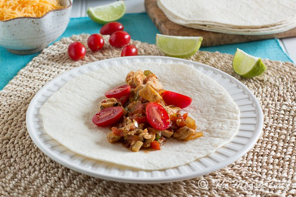 Smoky Chipotle Chicken Tacos ~ #WeekdaySupper - The Messy Baker Blog