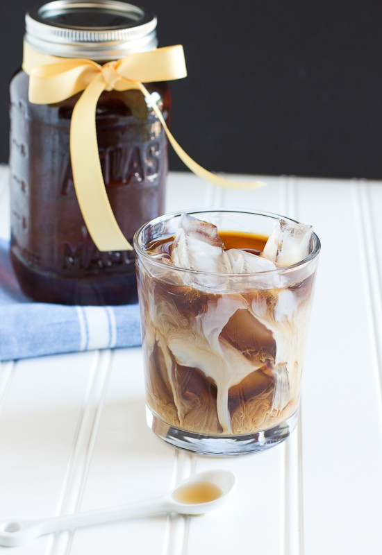 Vanilla Coffee Syrup | www.themessybakerblog.com-7653