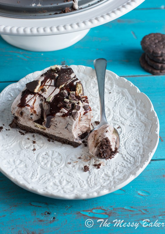 Thin Mint Ice Cream Pie from www.themessybakerblog.com