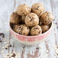 Peanut Butter Oat Balls | www.themessybakerblog.com