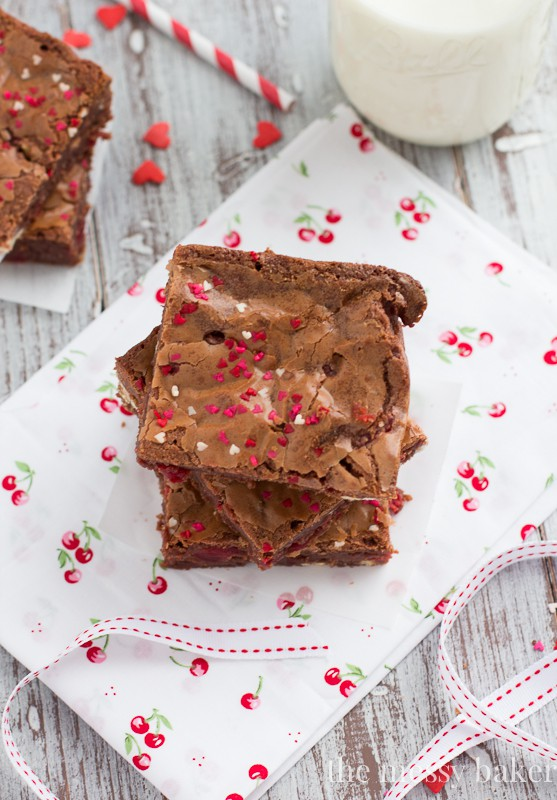 White Chocolate Cherry Brownies | themessybakerblog.com