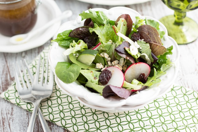 Fennel & Radish Salad with Cherry-Balsamic Vinaigrette | www.themessybakerblog.com