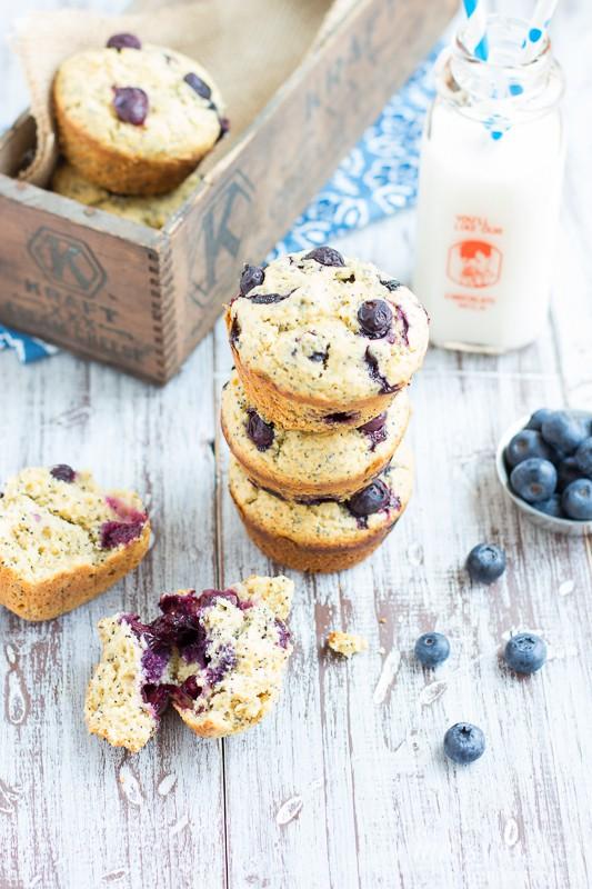 Blueberry Lemon Poppy Seed Muffins | www.themessybakerblog.com