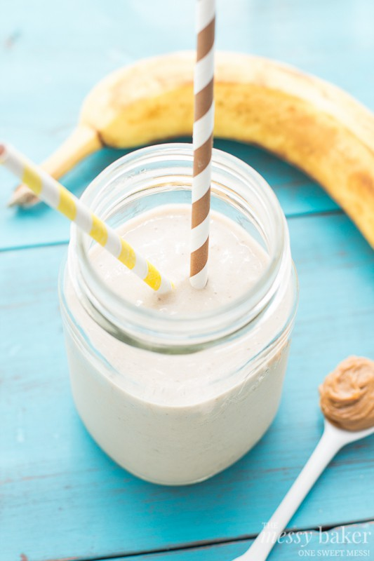 Peanut Butter Banana Oat Smoothie | www.themessybakerblog.com