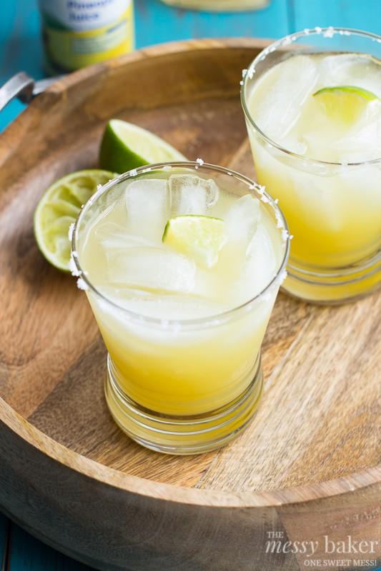 Pineapple Margarita | www.themessybakerblog.com