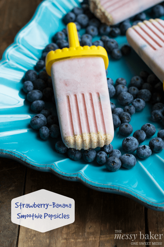 Healthy Strawberry-Banana Smoothie Popsicles | www.themessybakerblog.com