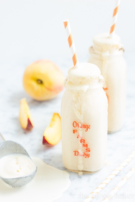 Peach Pie Milkshake made with Snickerdoodle Cookies | www.themessybakerblog.com