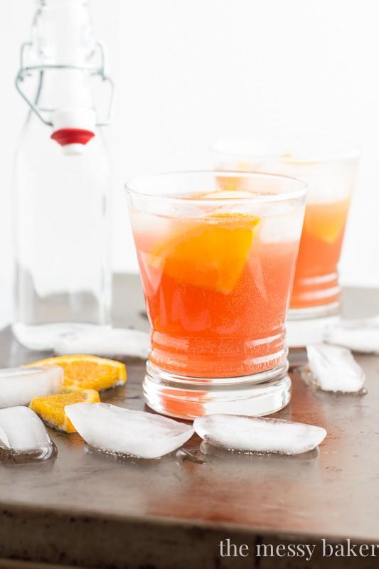 Cranberry Orange Spritzer Cocktail | www.themessybakerblog.com