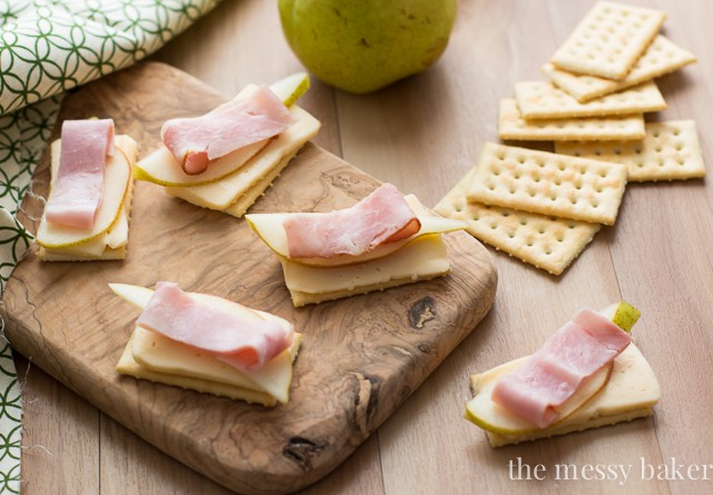 Havarti, Pear, & Smoked Ham on Crackers | www.themessybakerblog.com