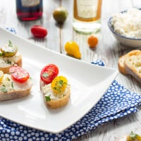 Easy Ricotta Toasts with Tomatoes Recipe | www.themessybakerblog.com
