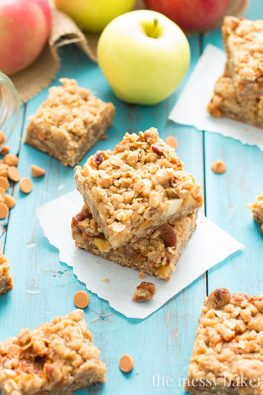 Homemade Butterscotch Apple Crumb Bars | www.themessybakerblog.com