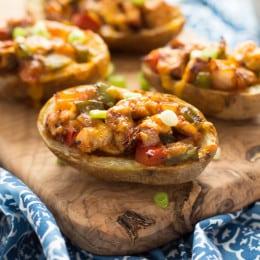 Easy Gluten-Free Chicken Fajita Potato Skins Appetizer Recipe | www.themessybakerblog.com