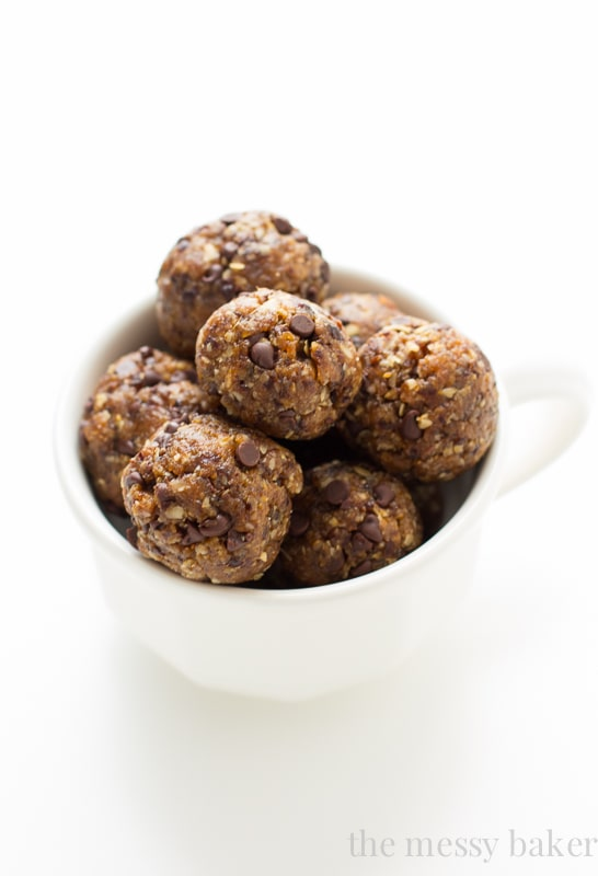 Healthy Chocolate Chip Energy Balls