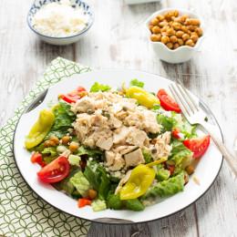 Mediterranean Chopped Salad with Tuna | www.themessybakerblog.com