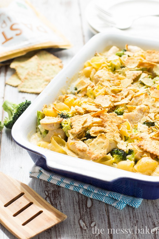 Cheesy Chicken and Broccoli Casserole | www.themessybakerblog.com