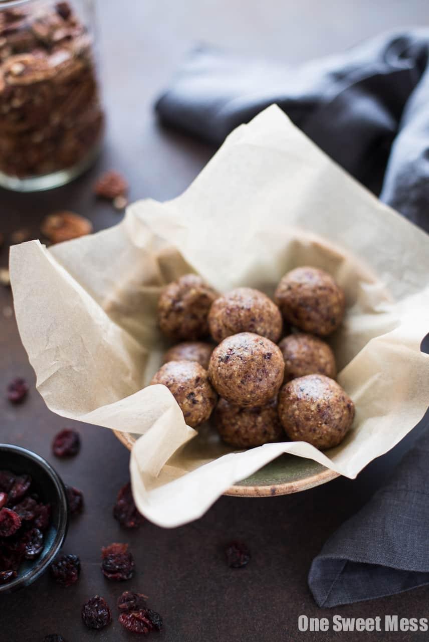 Toasted Pecan Cranberry Energy Bites | Gluten-Free, Vegan & Naturally Sweetened