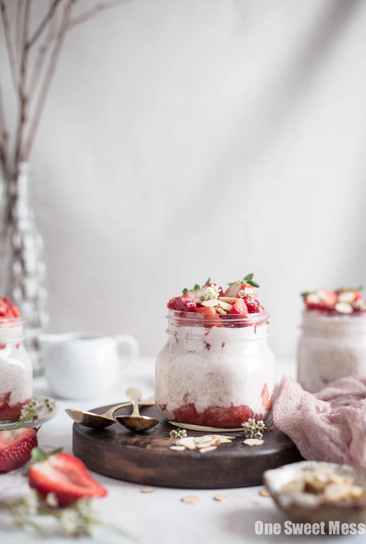 Strawberries and Cream Overnight Oatmeal {Gluten-Free + Vegan Option)